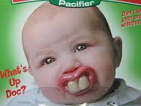 前歯がないのとめっちゃ出っ歯