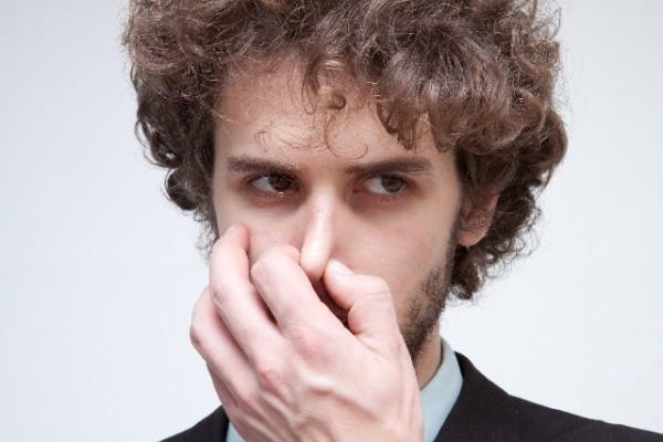 使った歯間ブラシの臭い嗅いだんやけど
